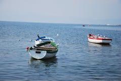 在奥赫里德湖的小船 免版税库存照片