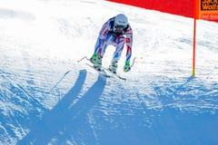在奥迪FIS高山滑雪世界杯-下坡的人的Theaux Adrien 库存图片