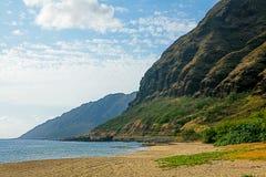 在奥阿胡岛` s干燥西部岸的Keawaula海滩 库存图片