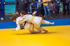 在女孩,奥伦堡,俄罗斯中的柔道竞争 图库摄影
