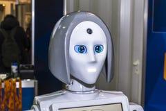 在女性假装的机器人 库存图片