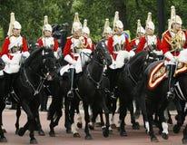 在女王的生日的家庭骑兵游行 库存图片
