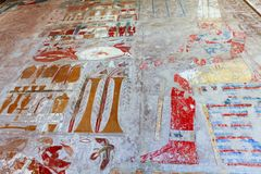 在女王Hatshepsut寺庙帝王谷卢克索埃及的壁画 库存图片