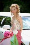 在她的婚礼之日的美丽的新娘 免版税库存图片