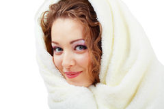 在妇女之下的毯子 免版税库存图片