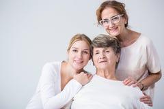 在妇女之间的两代之间的联系 库存照片