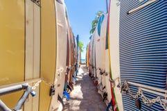 在威基基海滩,夏威夷的冲浪板 库存图片