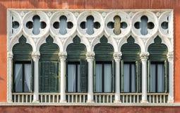 在威尼斯式哥特式样式的Windows 免版税库存图片