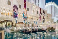 在威尼斯式豪华旅馆和赌博娱乐场的长平底船乘驾在Las Veg 免版税图库摄影