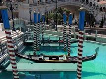 在威尼斯式赌博娱乐场拉斯维加斯的长平底船 免版税图库摄影