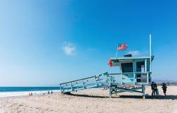 在威尼斯海滩的救生员塔在洛杉矶加利福尼亚美国 免版税库存照片