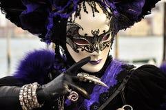 在威尼斯狂欢节的意想不到的哥特式面具 库存图片