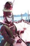 在威尼斯狂欢节的红色面具  库存照片