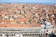 在威尼斯视图的钟楼意大利 免版税库存照片