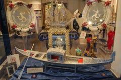 在威尼斯,意大利礼物画廊的传统威尼斯式纪念品  免版税库存照片