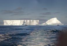 在威德尔海的冰山 图库摄影