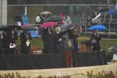 在威廉J.克林顿总统中心的盛大开幕式仪式期间在小石城,前美国总统比尔・克林顿告诉, AK 2004年11月18日的 在一点的克林顿总统中心 库存照片