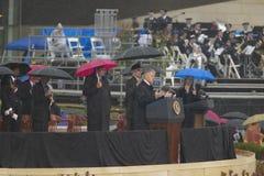 在威廉J.克林顿总统中心的盛大开幕式仪式期间在小石城,前美国总统比尔・克林顿告诉, AK 2004年11月18日的 在一点的克林顿总统中心 图库摄影