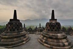 在婆罗浮屠寺庙的stupas 马格朗 中爪哇省 印度尼西亚 免版税库存照片