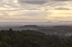 在婆罗浮屠遗产的日出在日惹,印度尼西亚 库存图片