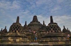 在婆罗浮屠,马格朗,印度尼西亚的Stupas 免版税库存图片