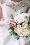 在婚姻的庆祝的表装饰 免版税库存图片