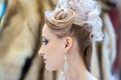 在婚礼发型的趋向 免版税库存图片