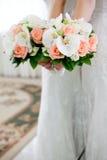 在婚礼的美丽的新娘花束 库存图片