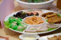 在婚礼设置的开胃菜 免版税库存图片