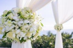 在婚礼设置的花 免版税库存图片
