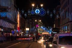 在子线,伦敦英国的圣诞节装饰 库存照片