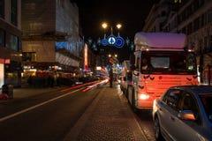 在子线,伦敦英国的圣诞节装饰 图库摄影