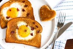 在孔的鸡蛋 免版税库存照片