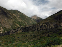 在季风期间,高喜马拉雅谷 免版税库存图片