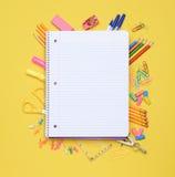 在学校用品的螺纹笔记本 免版税库存照片