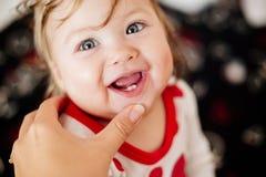 在孩子的第一颗牙 图库摄影