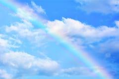 在它的天空的彩虹是五颜六色和美丽的 图库摄影