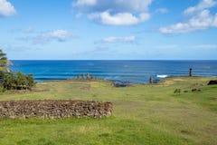 在安加罗阿-复活节岛,智利附近的Ahu Tahai Moai雕象 库存照片