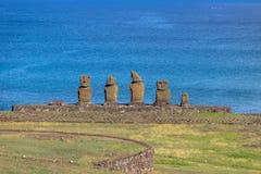 在安加罗阿-复活节岛,智利附近的Ahu Tahai Moai雕象 免版税图库摄影