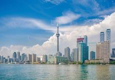 在安大略湖,加拿大的多伦多地平线 免版税图库摄影