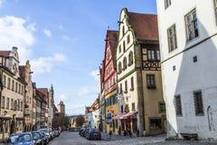 2在安排rothenburg tauber游人城镇访客年期间吸引der每市场mediaval百万ob 库存图片