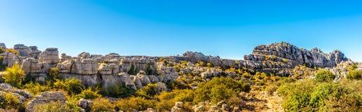 在安特克拉-西班牙的岩层El Torcal的全景 库存图片
