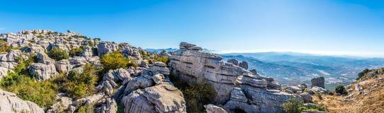 在安特克拉-西班牙的岩层El Torcal的全景 库存照片