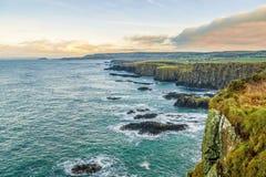 在安特里姆海岸北爱尔兰的俯视的Dunseverick 库存照片