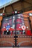 在安菲尔德体育场前面的佩兹利门户 免版税库存照片