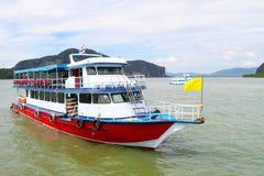 在安达曼海的小船 免版税库存图片