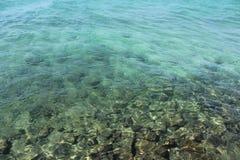 在安达曼的透明的水 免版税库存图片