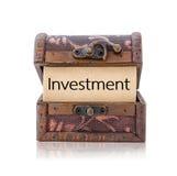 在宝物箱的投资词 图库摄影