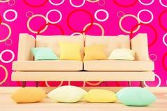 在客厅内部的色的坐垫 免版税库存图片