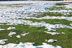 在室外足球场的雪 免版税图库摄影